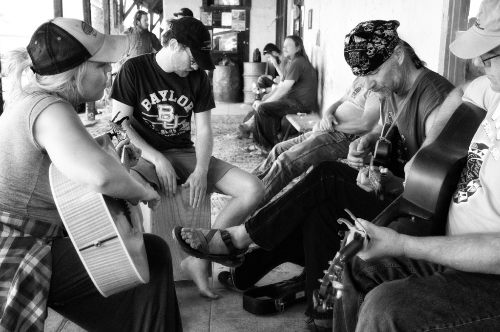 Jamming on the porch - Terlingua