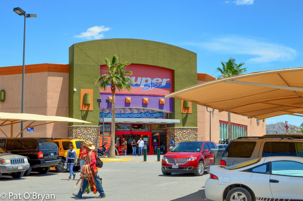 Supermarket in Ojinaga